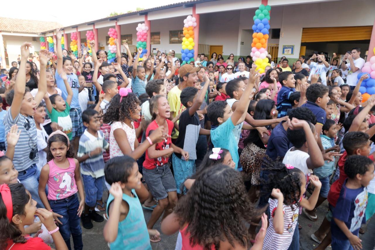 Mais de duas mil pessoas participam do Dia da Criança no setor Maracanã, em Araguaína