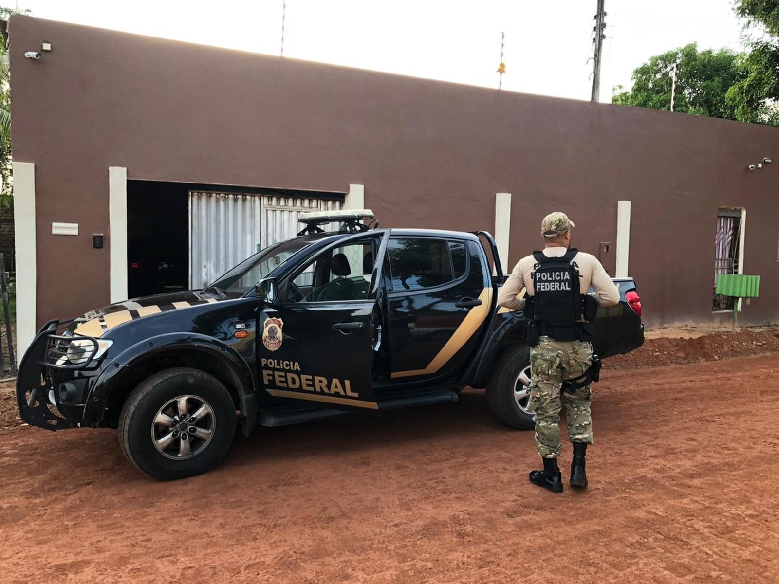 Polícia Federal cumpre mandados de prisão e busca em operação contra tráfico interestadual de cocaína
