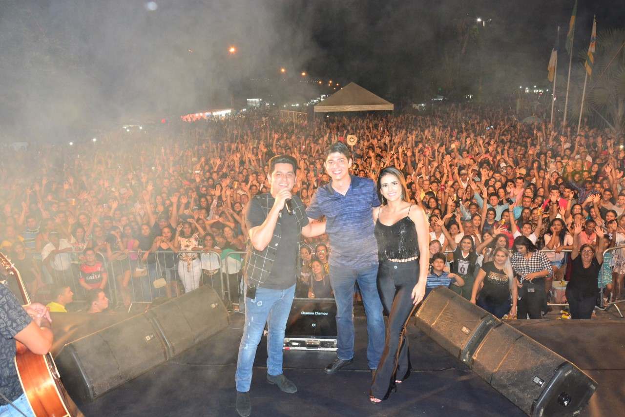 Paraíso do Tocantins 56 anos: show com Léo Magalhães é sucesso de público