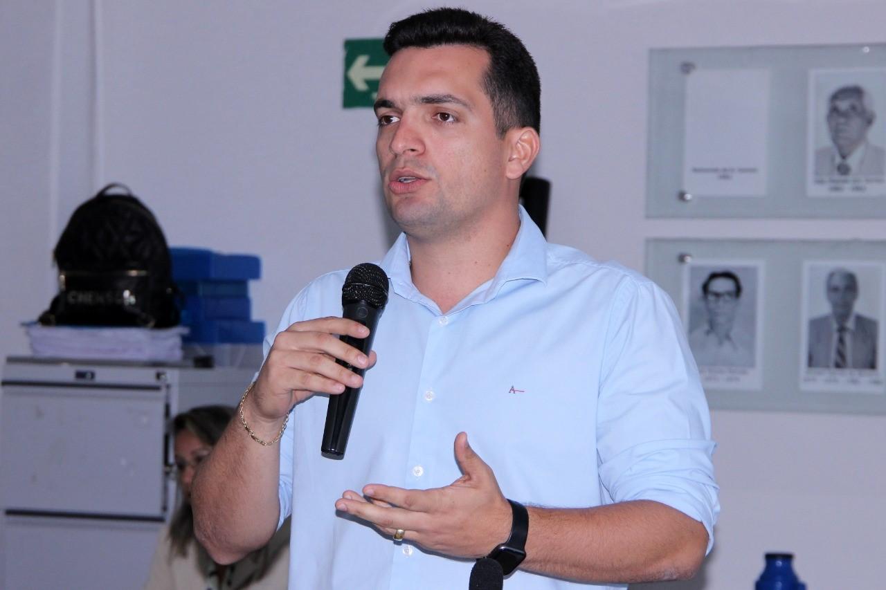 Gutierres Torquato apresenta resultados na saúde municipal e conversa sobre pré-candidatura em entrevista à rádio de Gurupi