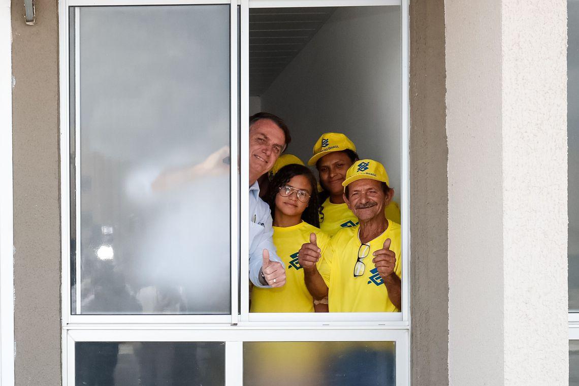 Bolsonaro entrega 4,1 mil moradias populares na Paraíba
