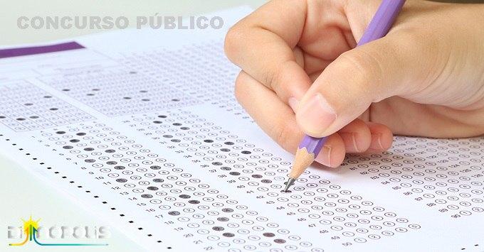 Prefeito de Dianópolis assina decreto e cria Comissão Técnica para realização de concurso público