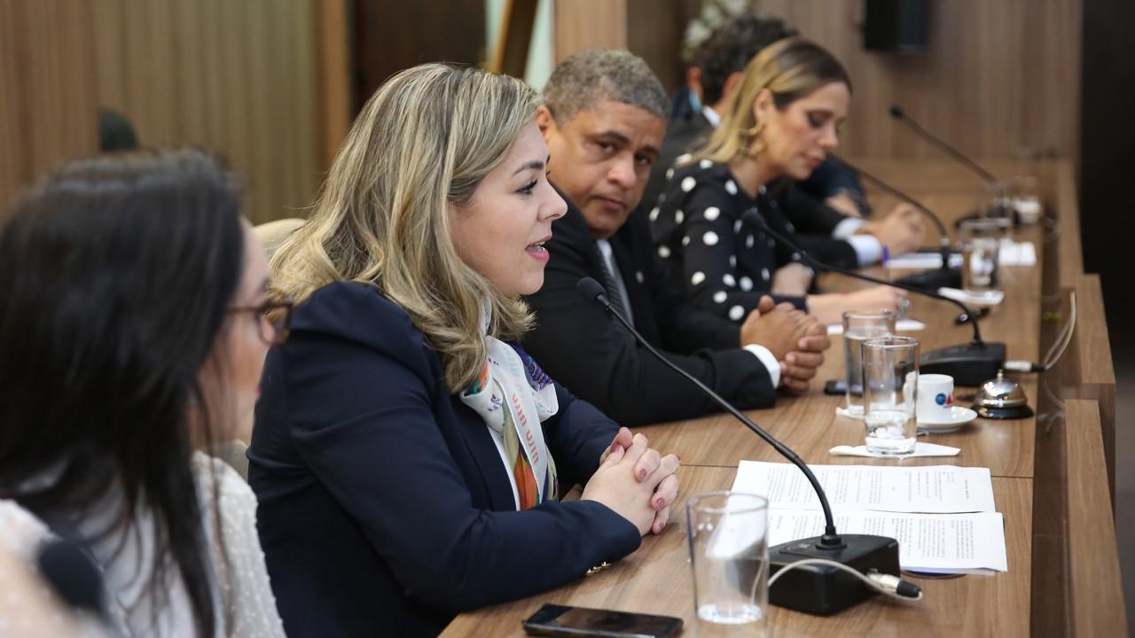 Prefeita Cinthia Ribeiro defende estímulo a mais igualdade de gênero em cargos eletivos