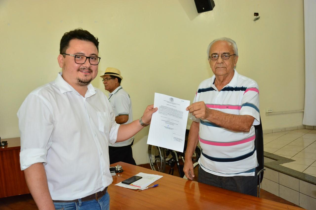 Prefeito Moisés Avelino assina ordens de serviço para ampliação e reforma de escolas