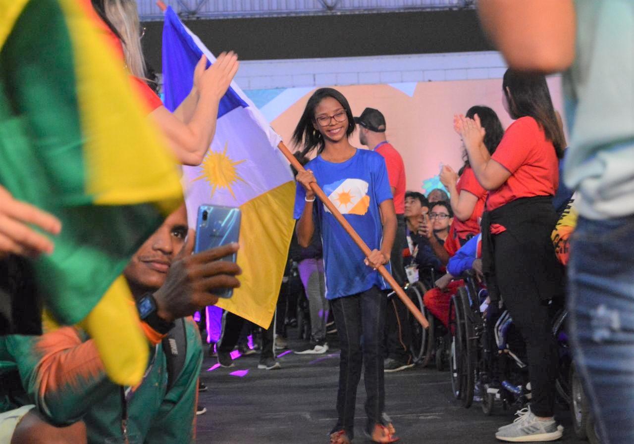 Atleta do Tocantins é premiada durante cerimônia de abertura das Paralimpíadas Escolares 2019