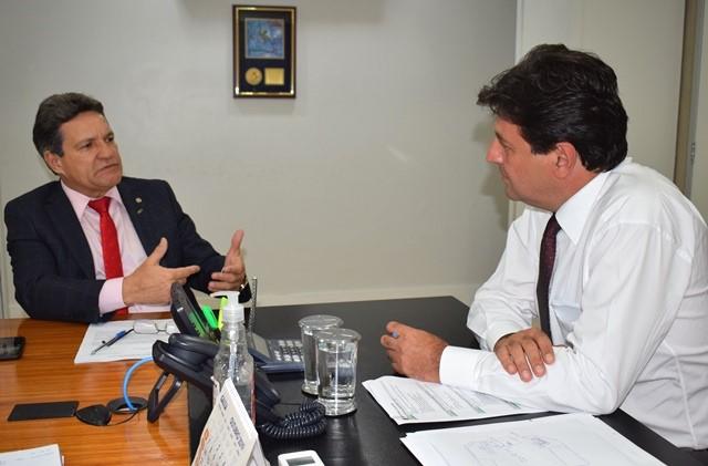 Damaso pede a ministro apoio para construção do Hospital Infantil de Palmas