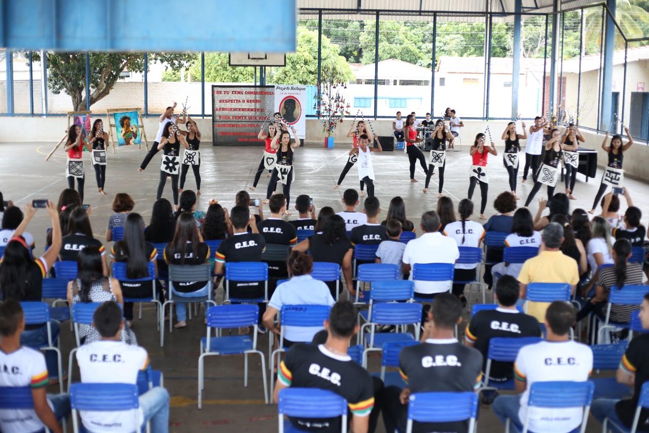 Projeto Batuque do Colégio Estadual de Cristalândia utiliza a dança para abordar a consciência negra