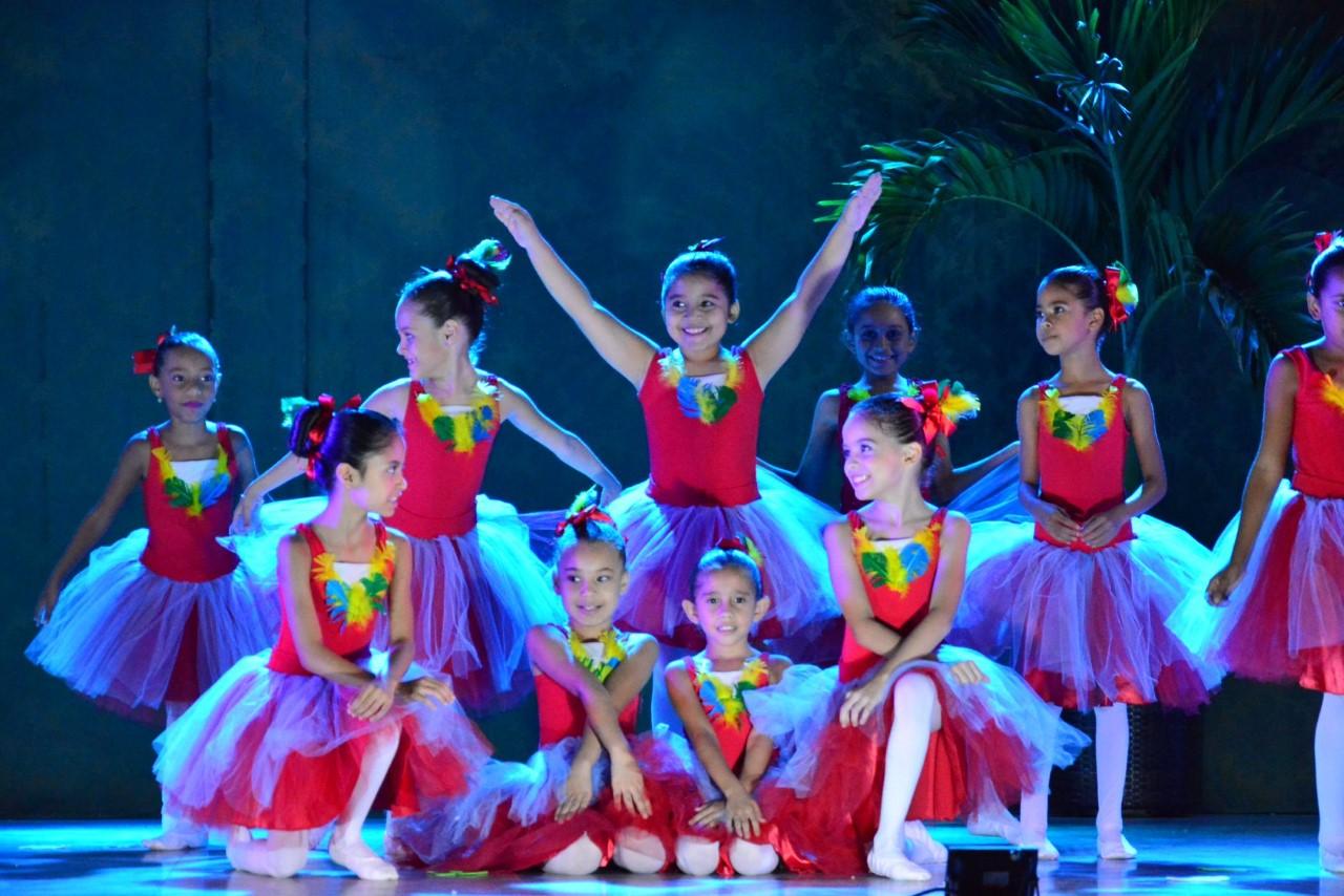 Escola de Artes Cora Coralina encerra suas atividades de 2019 com apresentações de balé em Paraíso