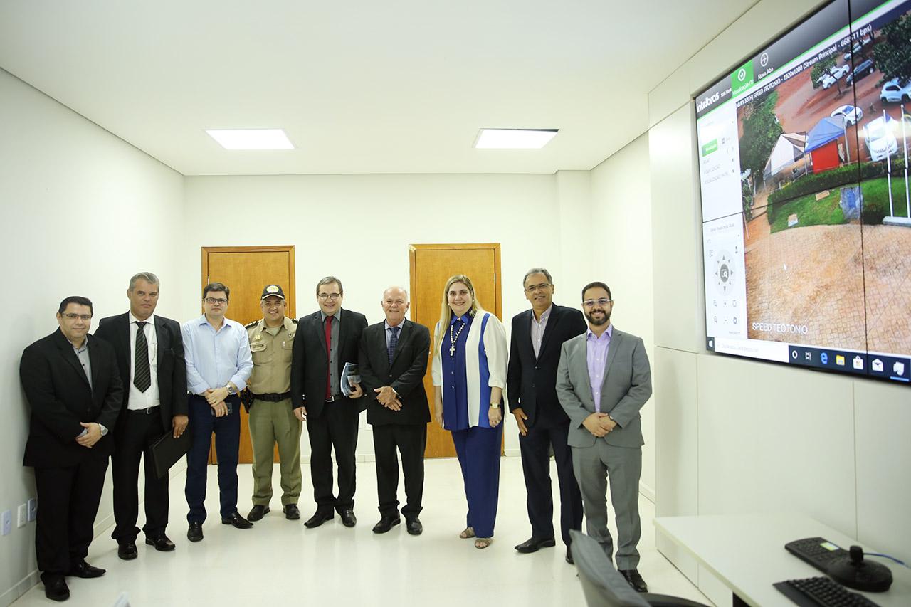 Presidente do TJTO entrega sistema de câmeras em Fórum de Palmas e informa mudanças para 2020