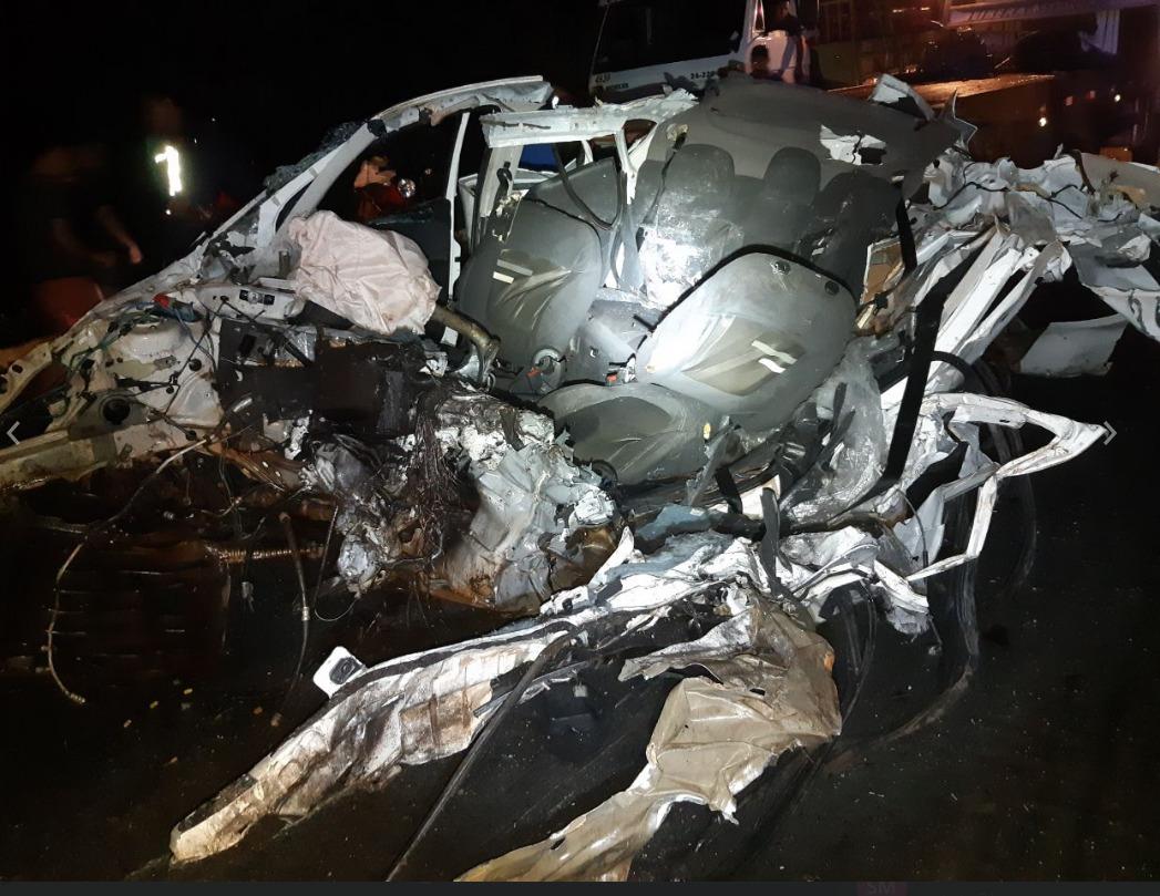 Grave acidente envolvendo 05 veículos deixa três mortos na BR-153