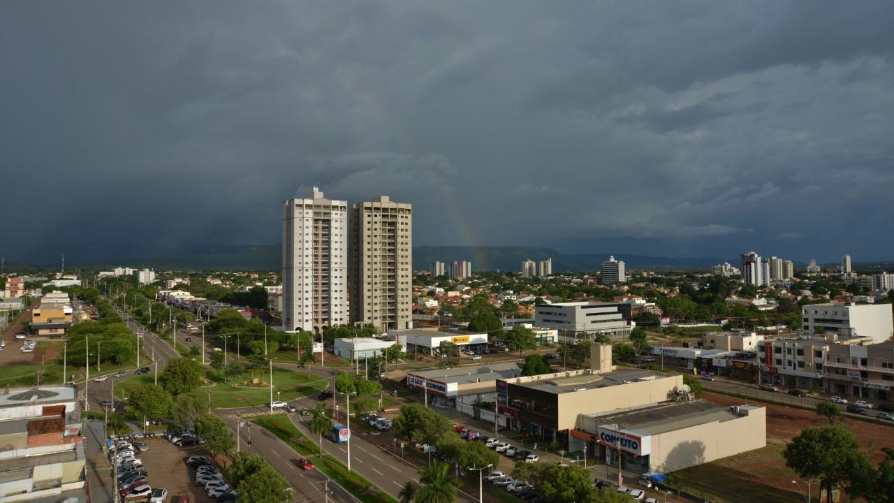 Clima estável e pancadas de chuvas devem marcar o primeiro final de semana do mês de dezembro na Capital