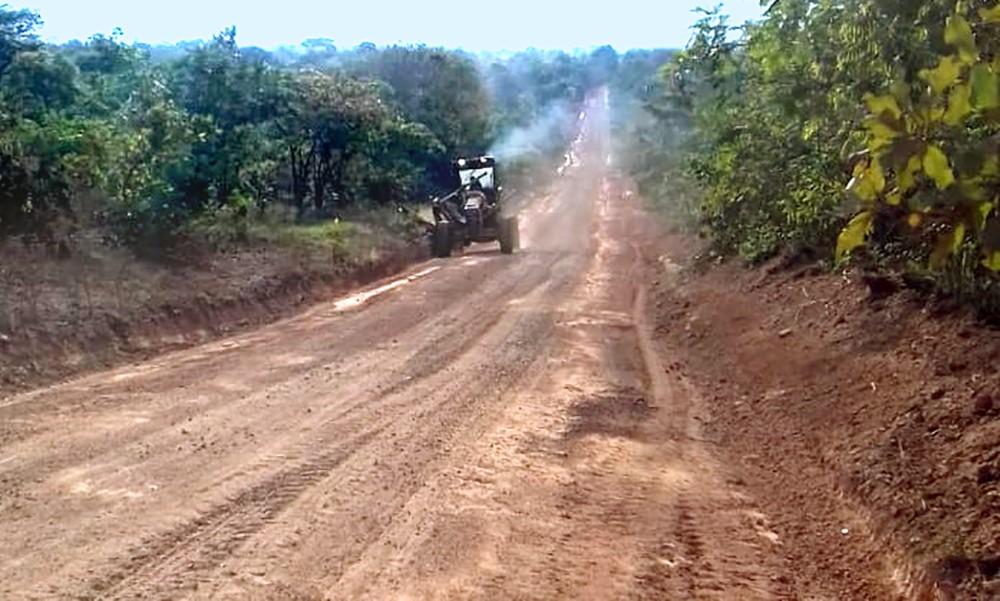 Governo realiza recuperação de pontos críticos da TO-239 entre Itacajá e Itapiratins