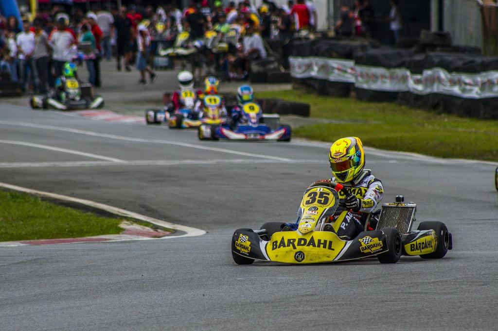 Pedro Aizza estreia na Graduados B no 1º Troféu Ayrton Senna de Kart, em Birigui (SP)