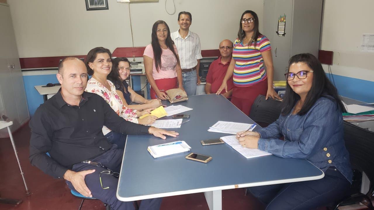 Educadores de Divinópolis e Caseara debatem educação integral e melhorias no sistema educacional