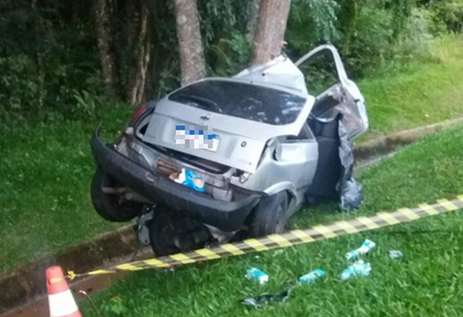 Pai e filha morrem em acidente na BR-376