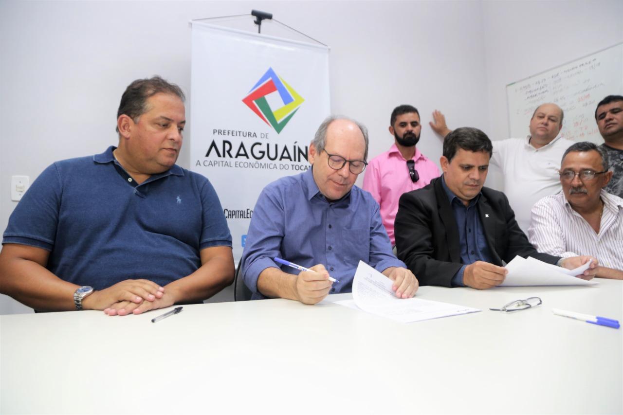 Dimas assina contratos de obras para Araguaína que somam mais de R$ 20 milhões