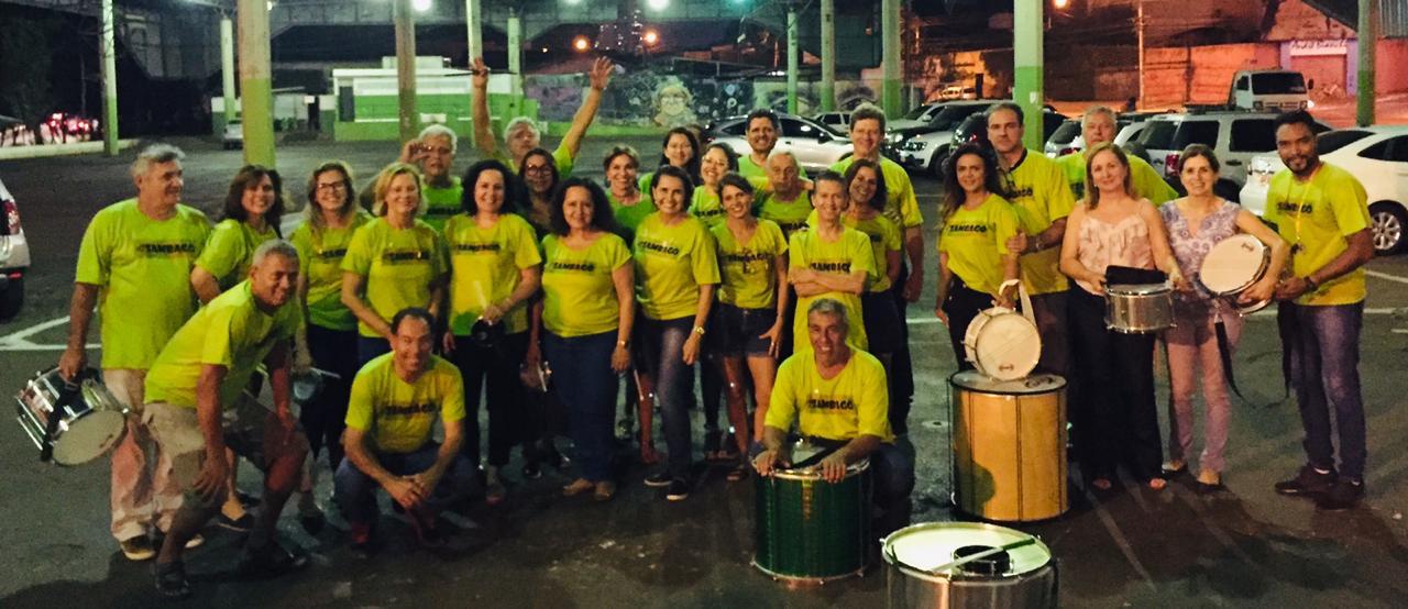Sambagô faz show de percussão no Bloco  do Cerrado