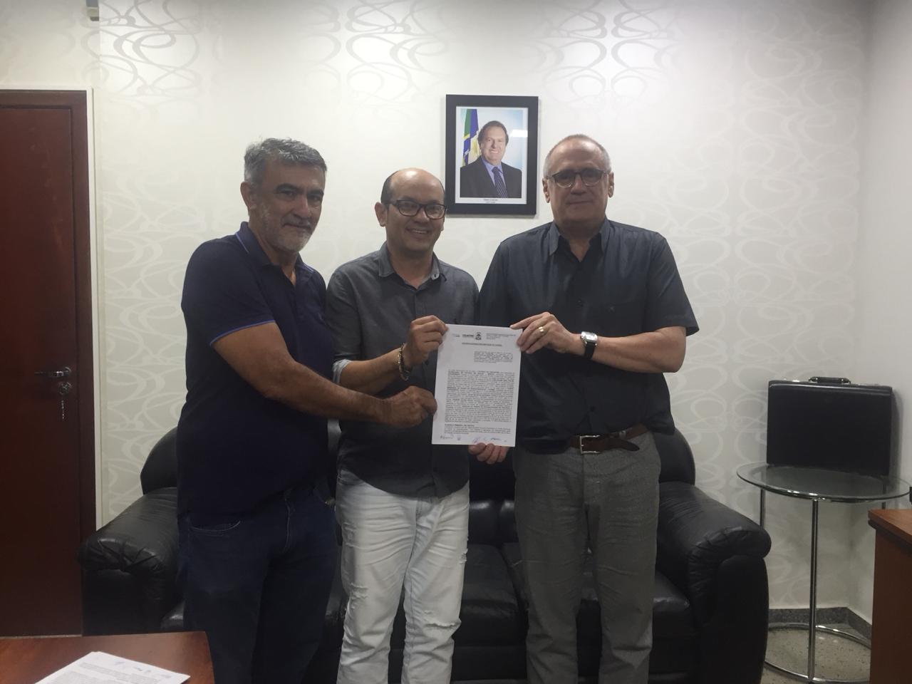 SES-TO assina convênio com Augustinópolis para repasse financeiro
