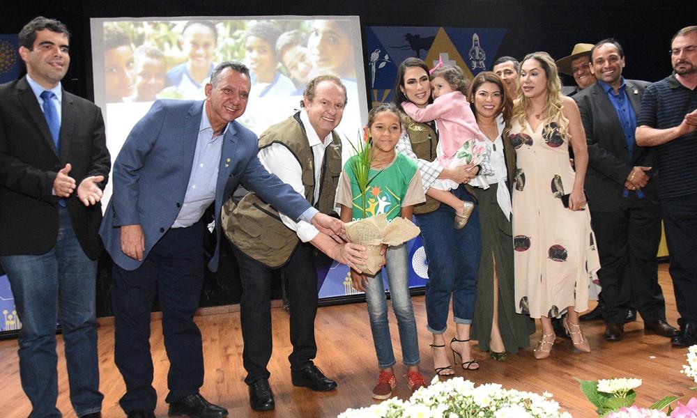 Governo do Tocantins promove inclusão social com ações de sustentabilidade e entrega de equipamentos para fomento da Agricultura Familiar