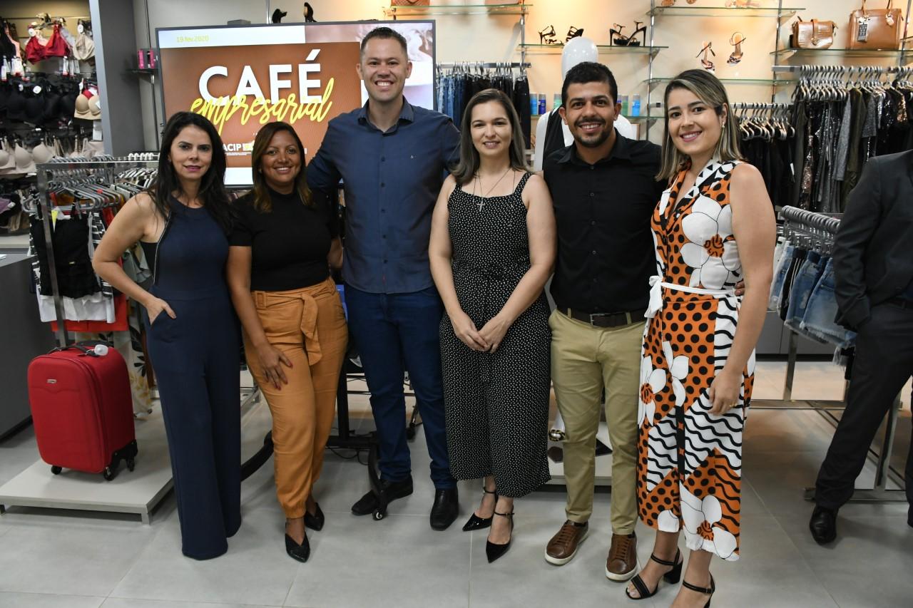 Secretária Patrícia Nascimento participa de Café da Manhã com empresários de Paraíso