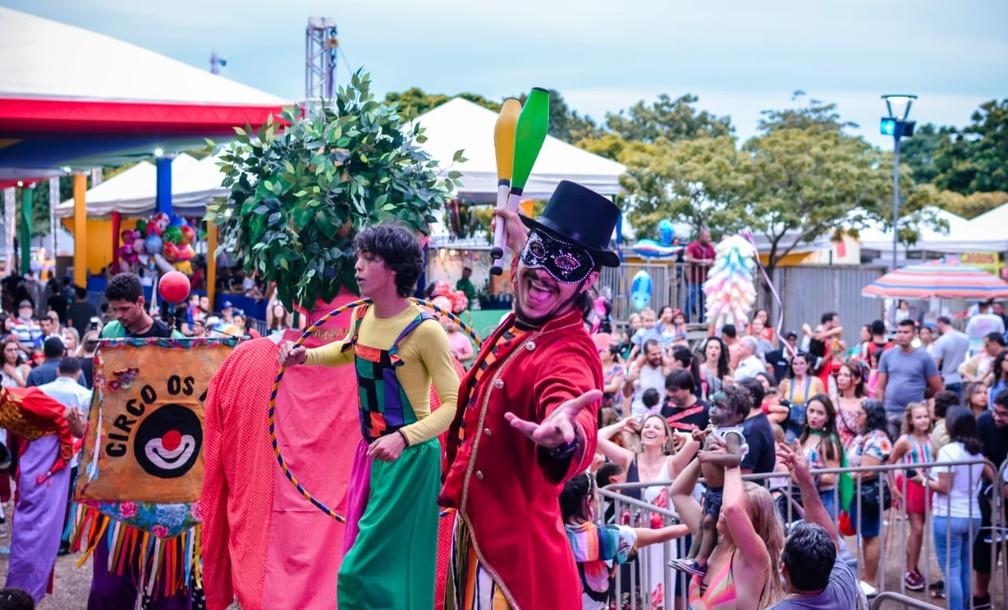 Carnaval 2020: Praça dos Girassóis terá shows de artistas nacionais