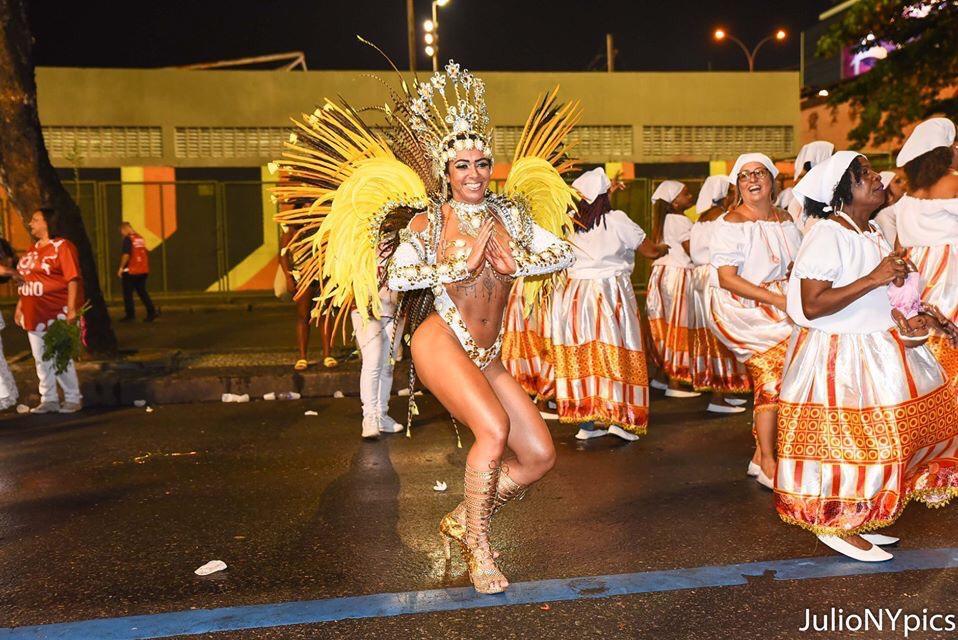 """Musa do Rio Grande do Sul estreia no carnaval carioca: """"Que lugar incrível!"""""""