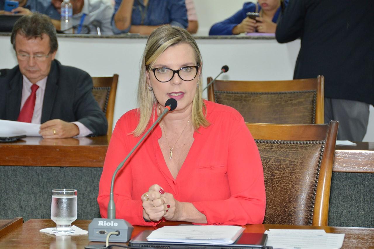 Deputados convocam BRK Ambiental para explicações sobre poluição no Lago de Palmas