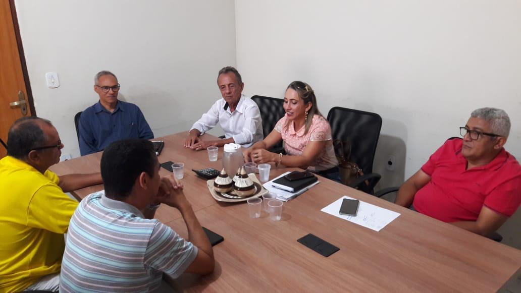 Prefeitura de Lagoa da Confusão negocia ajuste salarial com professores da rede municipal