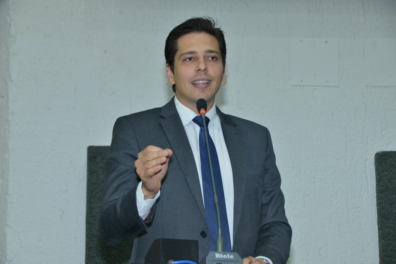 Olyntho parabeniza postura firme do presidente nacional do PSDB em relação as eleições na capital
