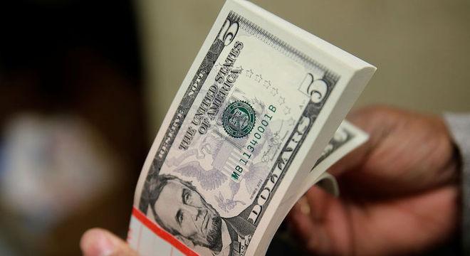Dólar fecha em R$ 4,3510, nova máxima nominal histórica