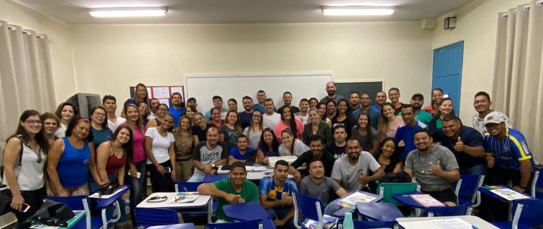 Educação promove oficinas de vôlei e handebol para professores de educação física da rede estadual