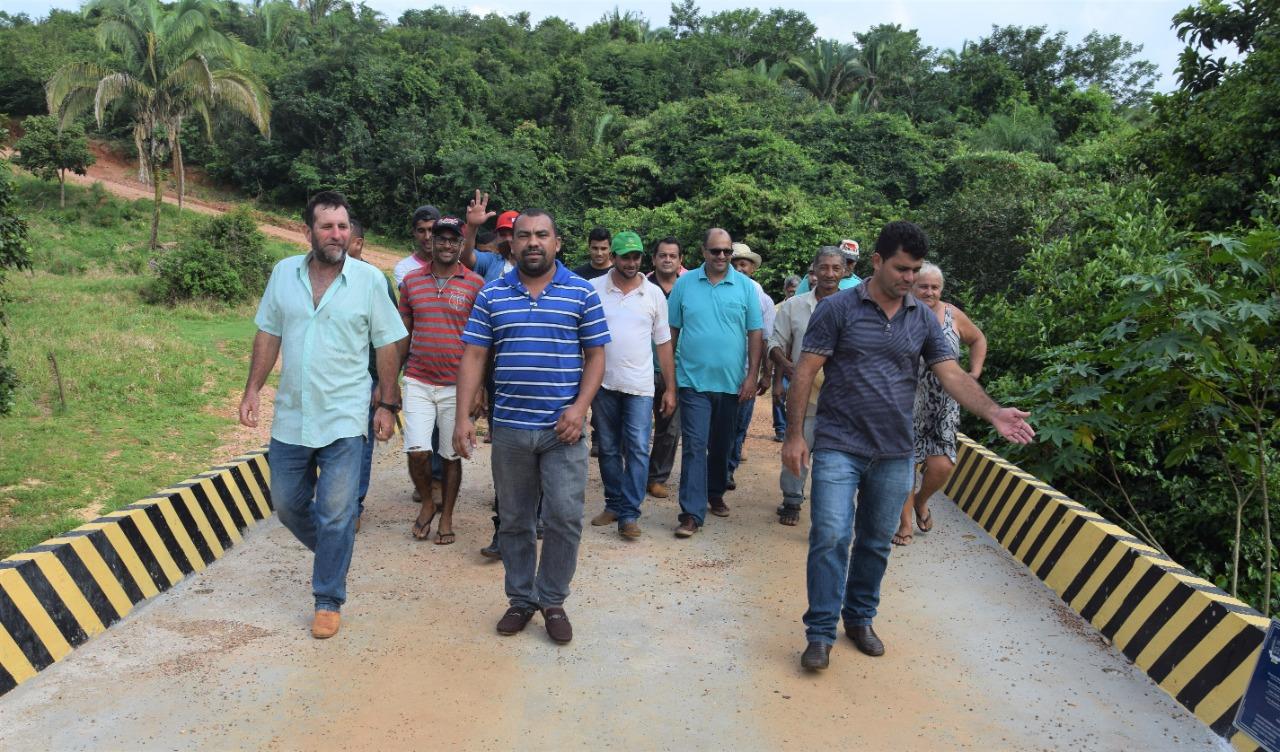Comemoração alusiva ao aniversário de Tabocão segue com inauguração de obras na zona rural