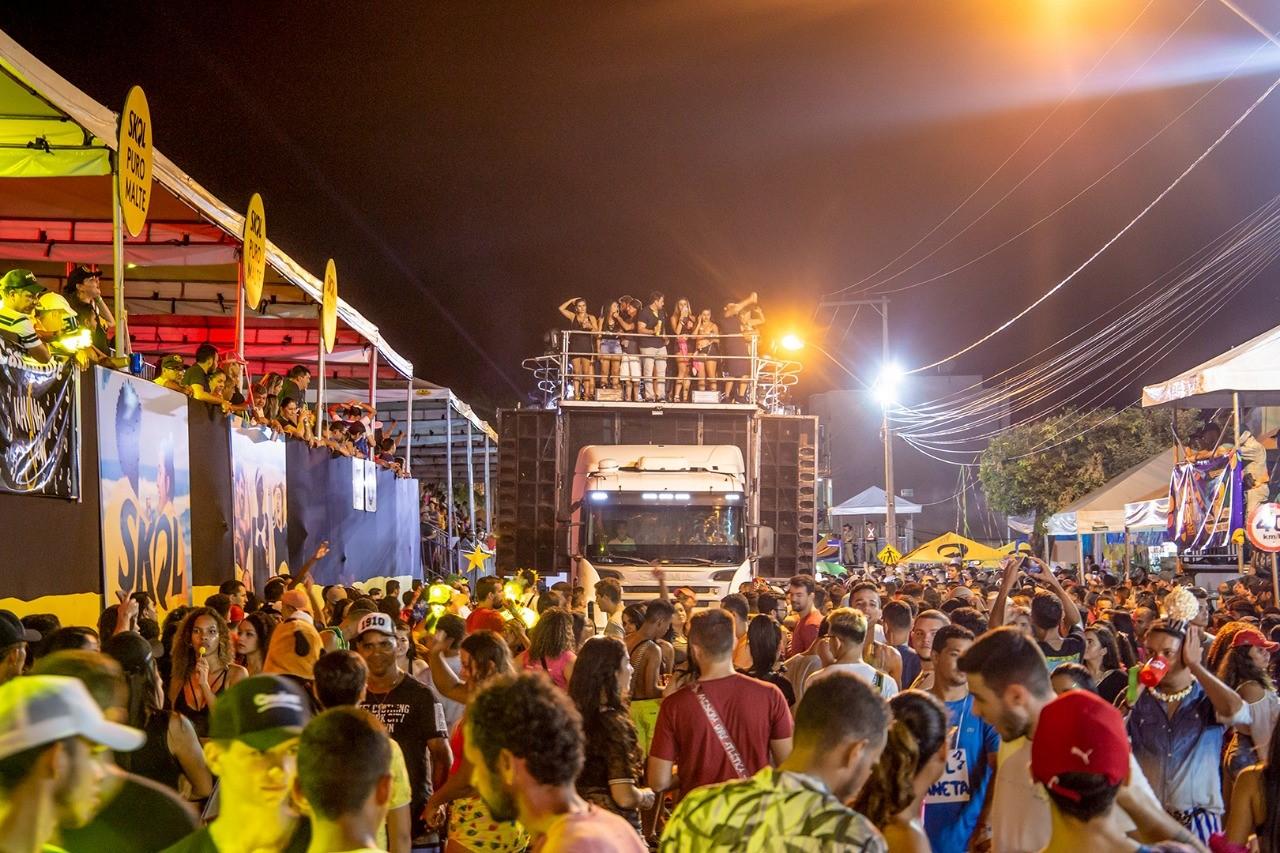 Penúltima noite do Carnaval de Gurupi 2020 teve Zé Ricardo e Thiago e premiação dos blocos vencedores