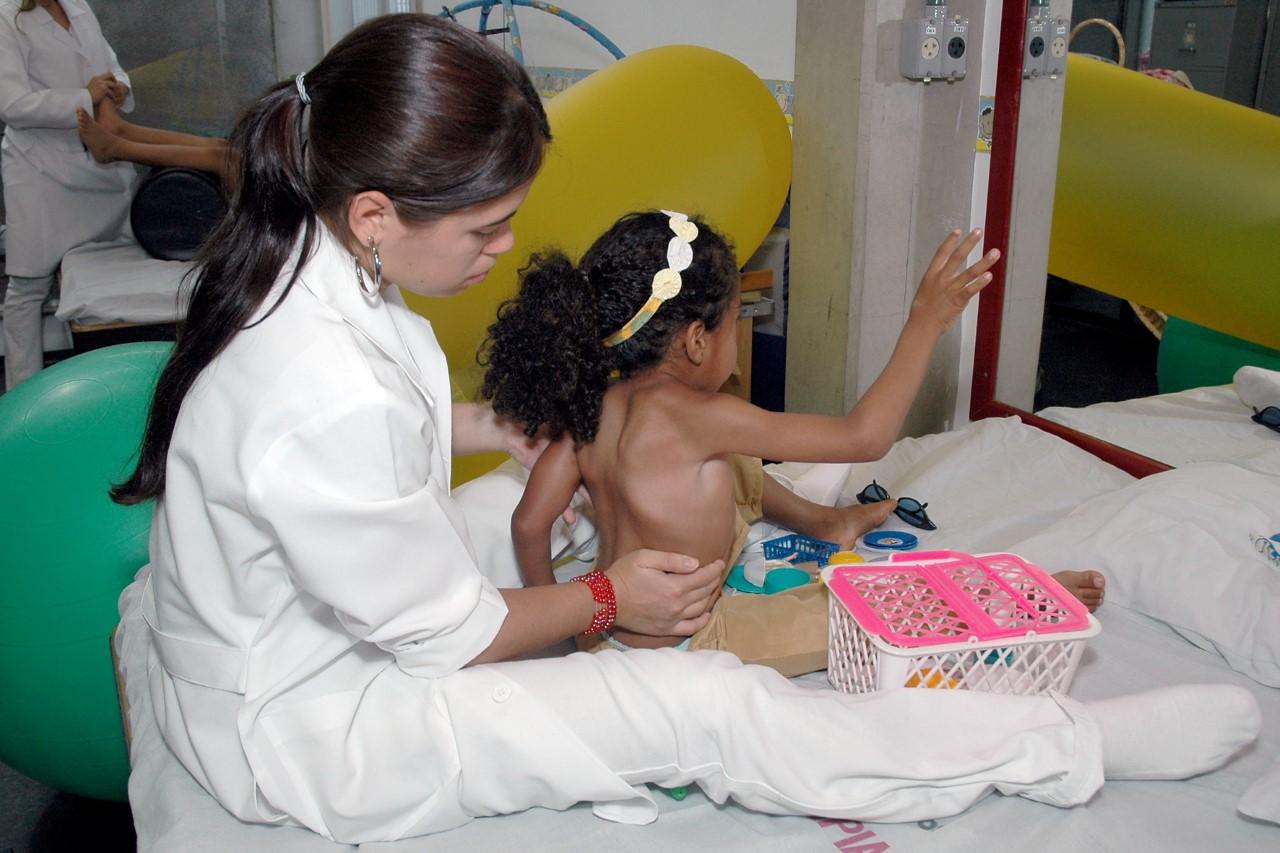 Universidade de Guarulhos oferece sessões de fisioterapia com preços populares