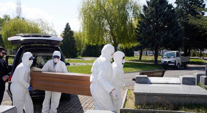 Espanha registra 832 mortes por coronavírus em 24h; número mais alto já alcançado no país