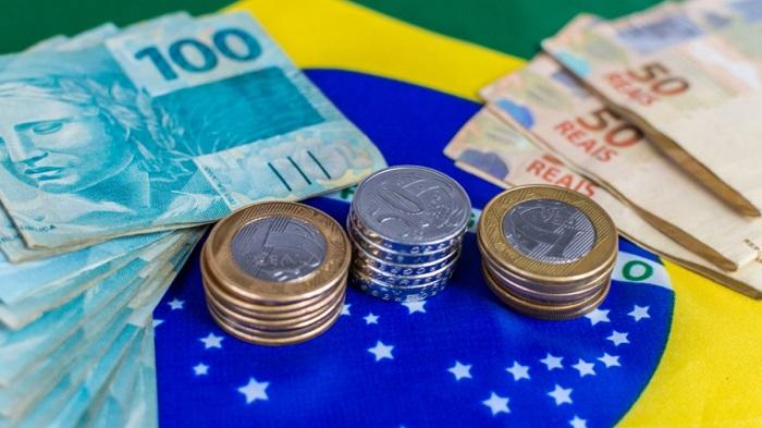 Governo estuda pagar mais uma parcela do auxílio emergencial de R$ 600