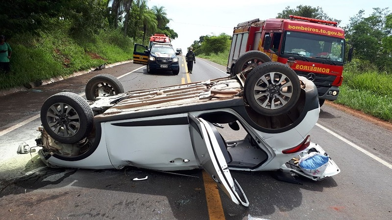 Acidente durante ultrapassagem na BR-153 deixa passageira ferida, no norte do Tocantins