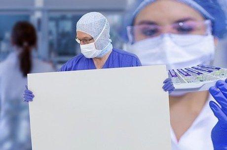 Cientista alemão afirma que coronavírus não passa por objetos