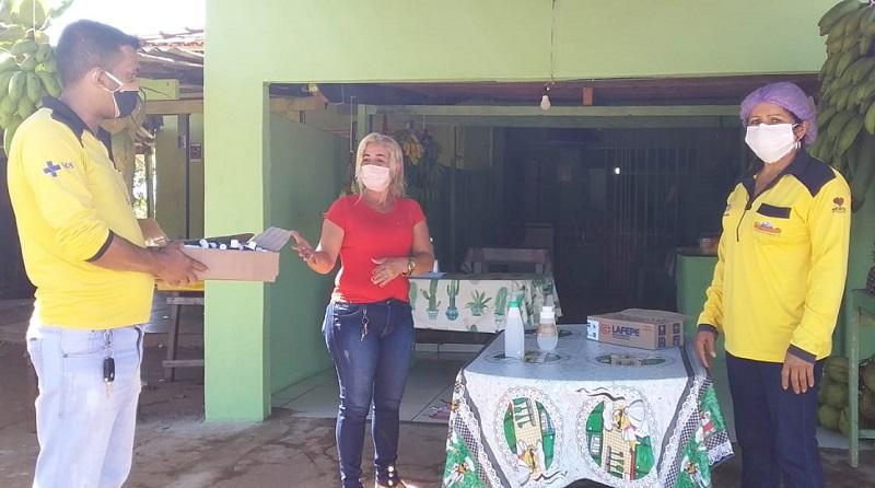 Prefeitura de Barrolândia promove ação para conscientizar sobre novas medidas preventivas à covid-19