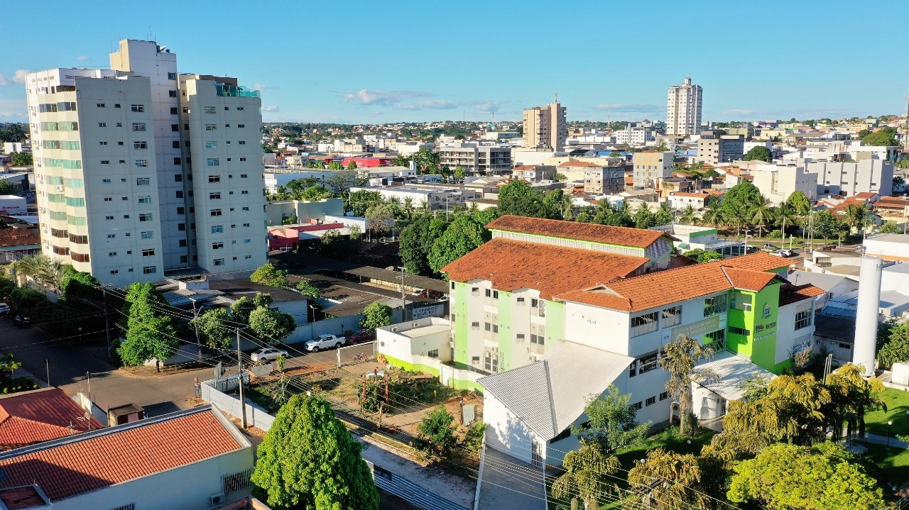 Em novo decreto, Dimas autoriza venda de bebidas alcoólicas com bares fechados em Araguaína
