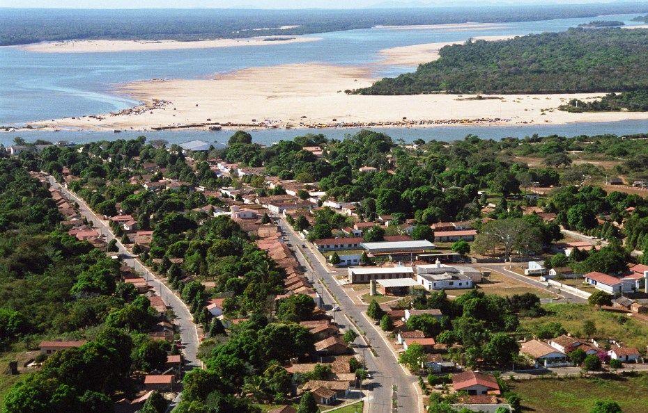 Justiça obriga prefeitura de Araguacema liberar circulação de balsas e ônibus