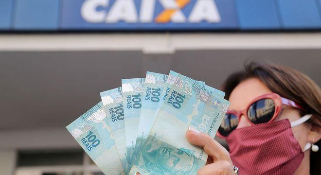 Saiba como vai funcionar novo Seguro Família de R$ 800 após auxílio emergencial