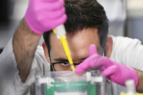 Ministério da Saúde fala sobre combate à pandemia do Coronavírus em coletiva de imprensa