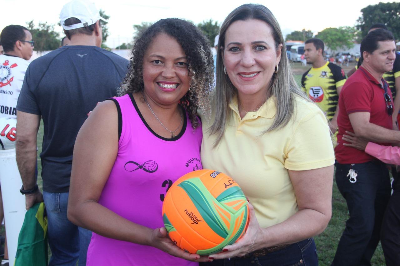 Dulce Miranda beneficia 17 municípios com quase R$ 8,5 milhões em emendas para o esporte