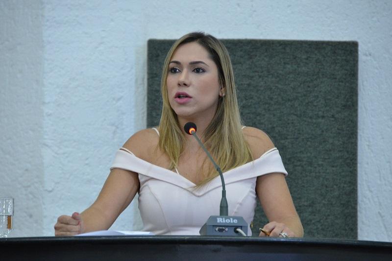 Projeto de Luana Ribeiro propõe divulgação obrigatória do número de leitos disponíveis no Tocantins