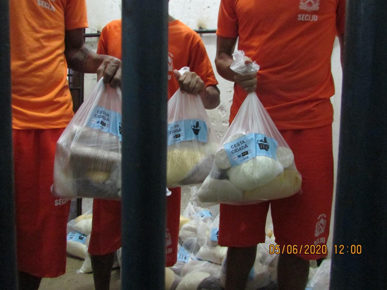 Gestão da CPP de Palmas realiza entrega de alimentos para reeducandos em ação intitulada Cesta Cidadã