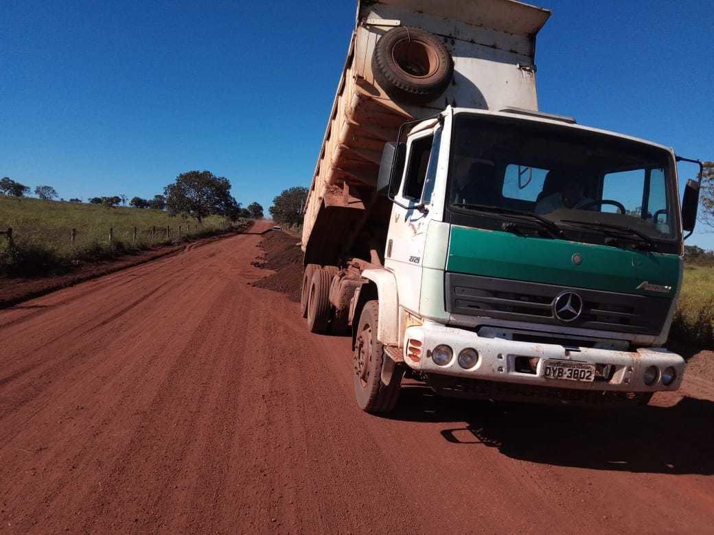 Prefeitura de Divinópolis segue com projeto Avenida Rural na recuperação de estradas vicinais