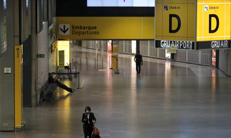 Câmara aprova MP que autoriza reembolso de passagem aérea em até um ano