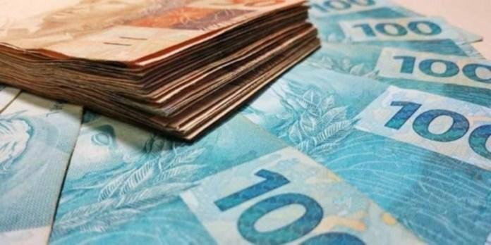 Caixa e Banco do Brasil pagam benefício a trabalhadores de até R$ 1.813,03; entenda