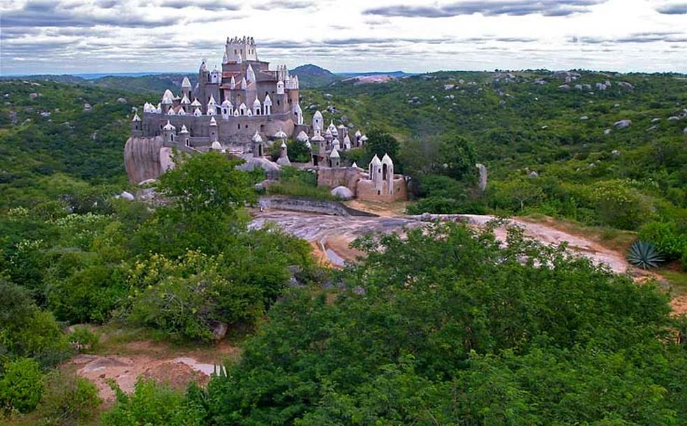 Morre Zé dos Montes, aposentado que construiu castelo por 36 anos em Sítio Novo, no Agreste do RN